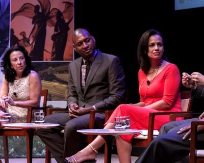 Panelists moderated by Maria Hinojosa. 2013. This image is not available under the 4.0 Creative Commons license.