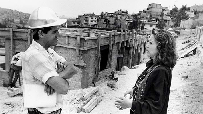 Man and woman discuss building project in Mexico. 1993. Photo Credit: © Ford Foundation