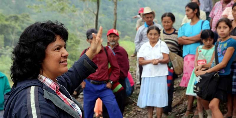 Berta Cáceres speaking to community members on Aqua Zarca vote. Photo Credit: Goldman Environmental Prize