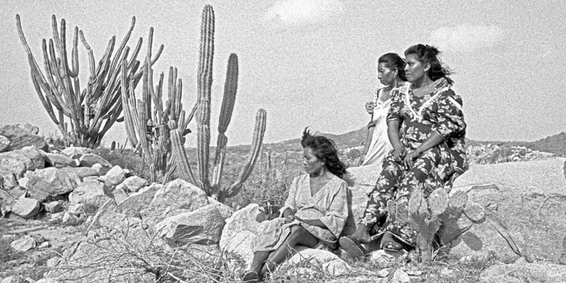 B&W Photo of Indigenous women in the desert. Photo by  Jorge Mario Múnera